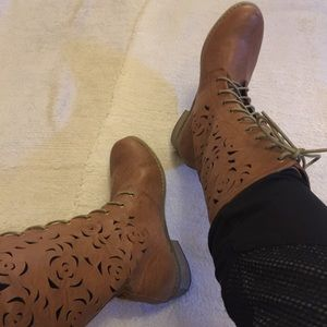 NWOT Modesta Brown Boots with die cut pattern